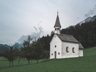 Factors to Consider When Finding a Church in Burbank